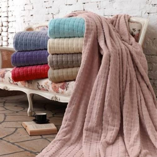 غطاء سرير ناعم منقط بولكا